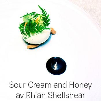 Recept: Sour Cream and Honey av Rhian Shellshear