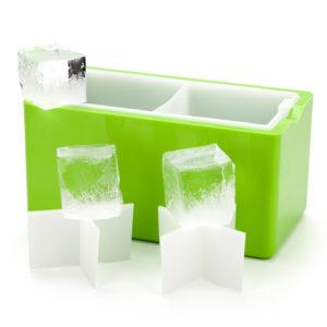 Isolerad form för framställning av glasklara kvadratiska, rektangulära isbitar
