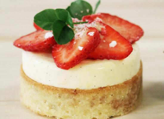 Jordgubbs- och vaniljtartelette