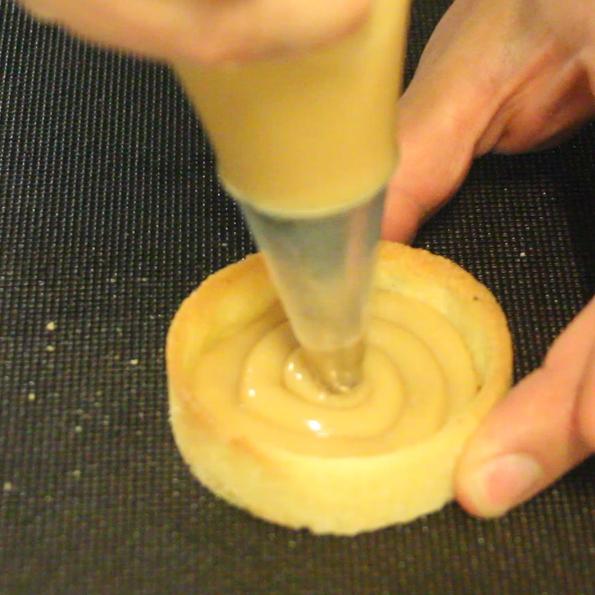Jordgubbs- och vaniljtartelette -recept från - Söders gourmet - Johan Heibert Gastronomi dulce de leche
